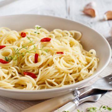 spaghetti aglio olio e peperoncino recipe