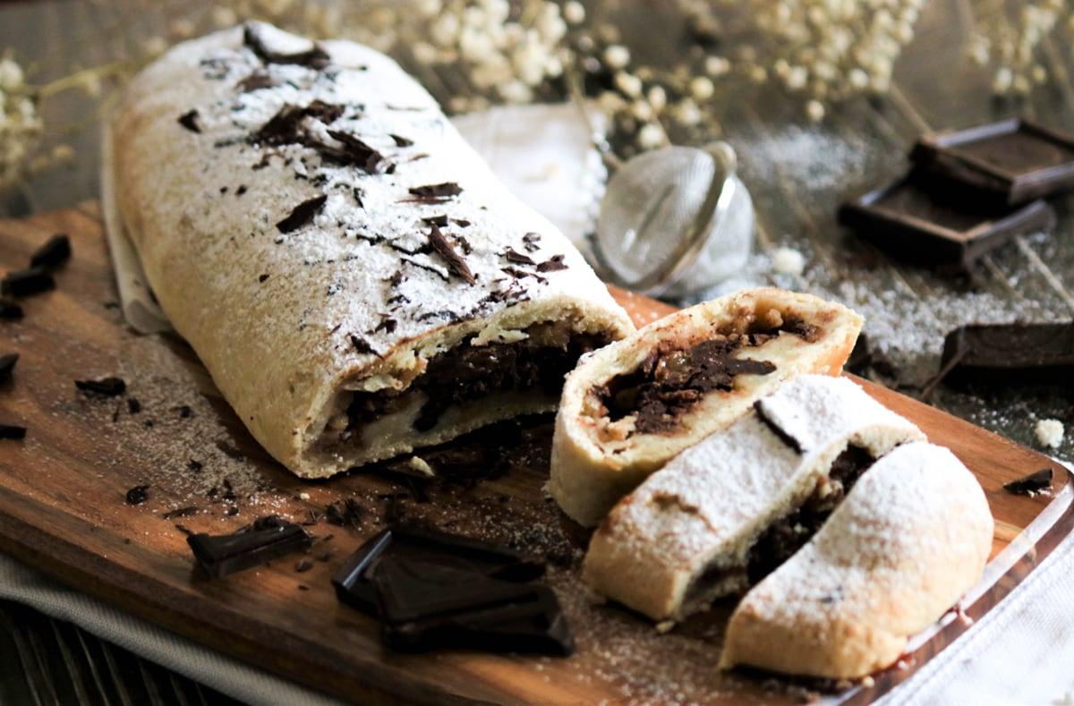 Pear and Chocolate strudel Recipe