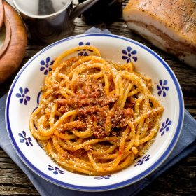 italian traditional pasta amatriciana sauce recipe