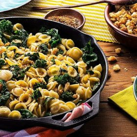Orecchiette with broccoli rabe - orecchiette with rapini